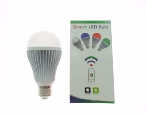 LAMPADA  E27 RGB 8W 36 COLORI WI-FI LUCE CALDA DIMMERABILE