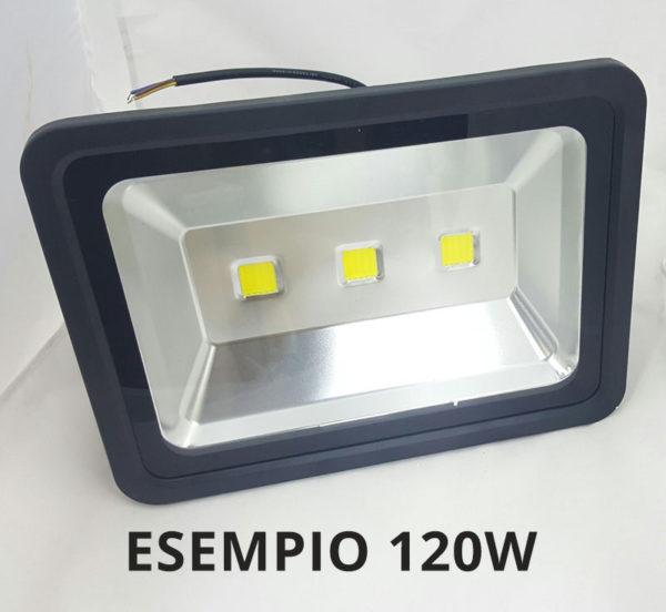 FARO LED IP65 PER ESTERNO WATT REALI GARANTITI LUCE CALDA O FREDDA 10W – 20W – 30W – 50W – 70W – 100W – 120W – 200W